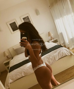 Sarah-rose escort in North Chicago IL