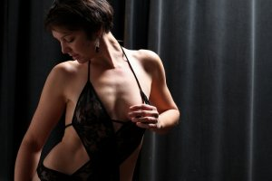 Krista escort girl in Sioux Falls