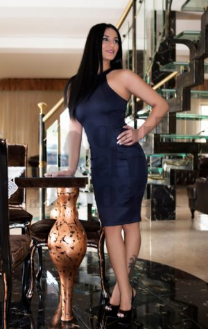 Carry escorts in New London CT