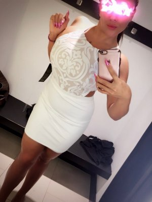 Esengul escort girls in Westfield IN